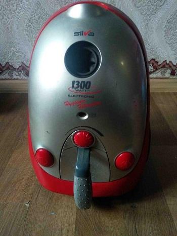 pylesos electronic hygienic 1300 Watt