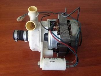 tsirkulyatsionnyj nasos pompa Indesco 950H1I posudomoechnoy mashiny Ariston LI640A foto
