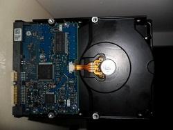sdat zhestkie diski Hitachi (HGST) Ultrastar na 3 tb