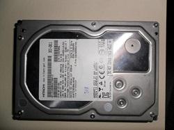 kupit zhestkie diski Hitachi (HGST) Ultrastar na 3 tb