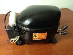 kupit kompressor ACC HTK12AA R600a 198W dlya holodilnika